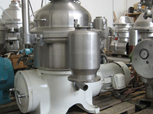 Industrial-machines-for-fruit-juice-clarification